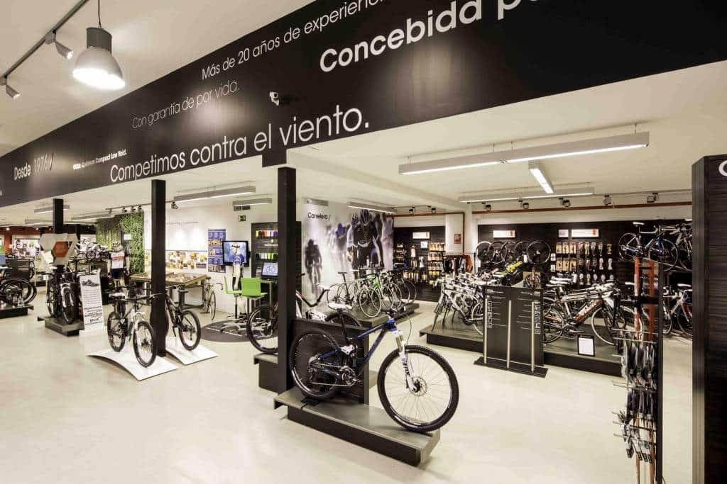 Interior Trek Bicycle Store de Donostia