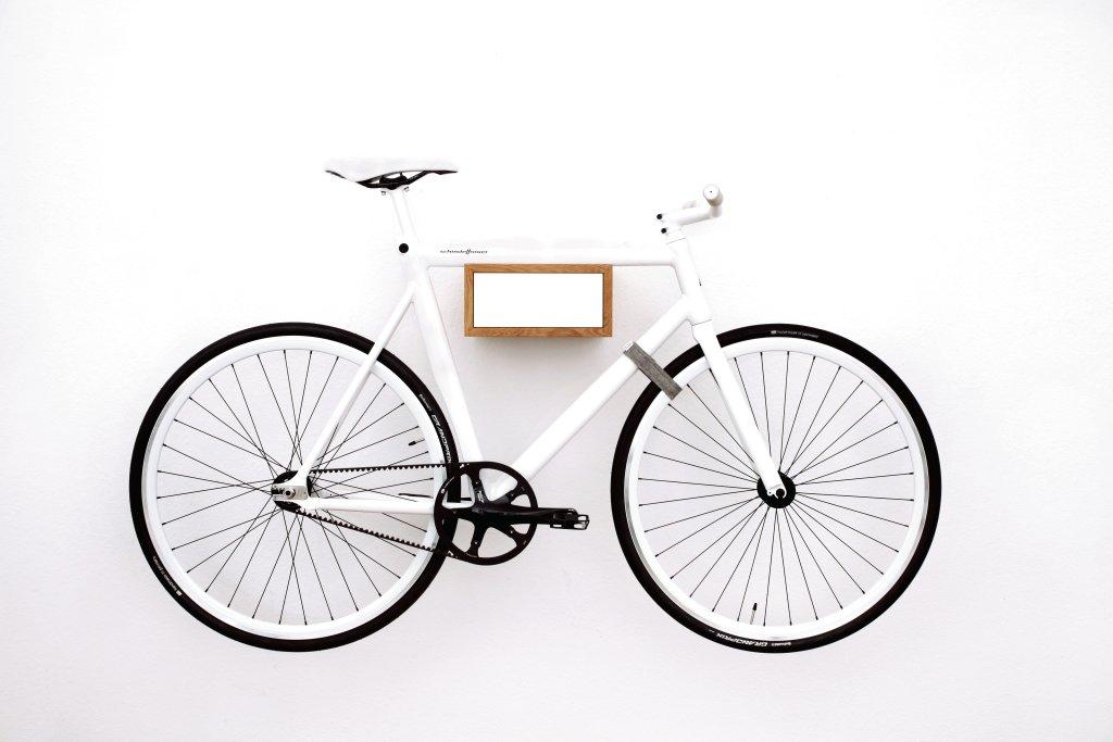 5 sistemas para guardar tu bici en casa - Accrocher un velo au mur ...