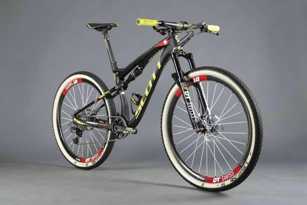 SCOTT-Odlo-MTB-Racing-Spark-700-RC-Nino_Product_2015_BIKE_SCOTT-Sports_04-119588_zoom_1.jpg