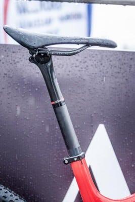 Tija Bontrager XXX Carbono, prototipo con el máximo avance posible del sillín