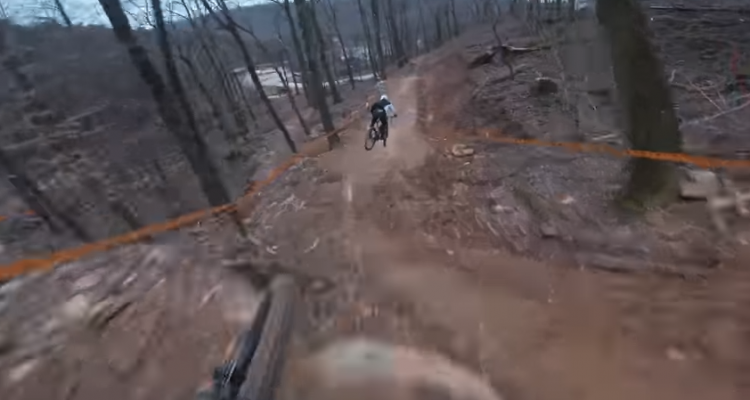 Descendiendo el Windrock Bike Park