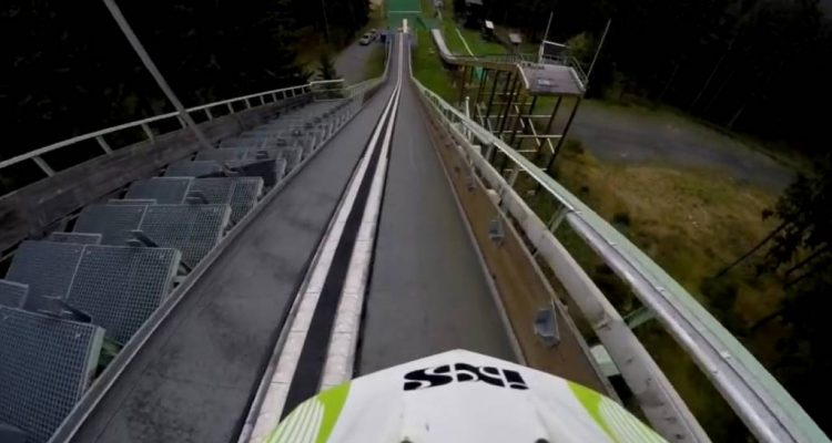 Salto bici 50 metros de altura