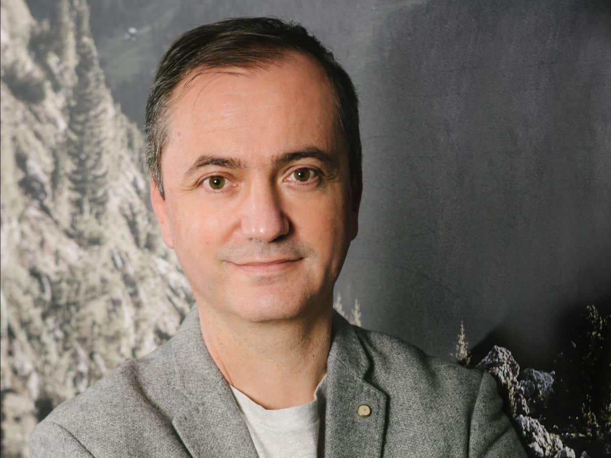 Javier López AMBE